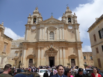 Mdina church was full of people coming to celebrate a wedding