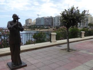 Sri Chinmoy statue on Sliema's promenade as symbol of peace. Malta