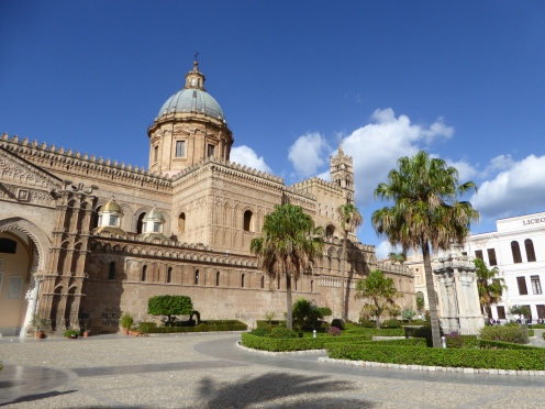 Italy - Sicily - Palermo - Cathedral of Palermo - Palm tree