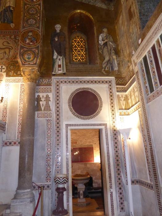 Italy - Sicily - Palermo - Palazzo dei Normanni - Cappella palatina exit